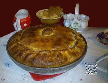 Balesh - meat pie